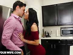 Brother's whore wife Victoria June turned to be very hot and edacious bitch