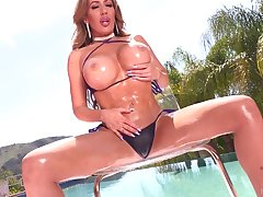 Juggy and bootyful porn diva Richelle Ryan takes cumshots on say no to bowels