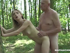 Outside sex and blowjob in the forest are fantasies be expeditious for Lily Ray